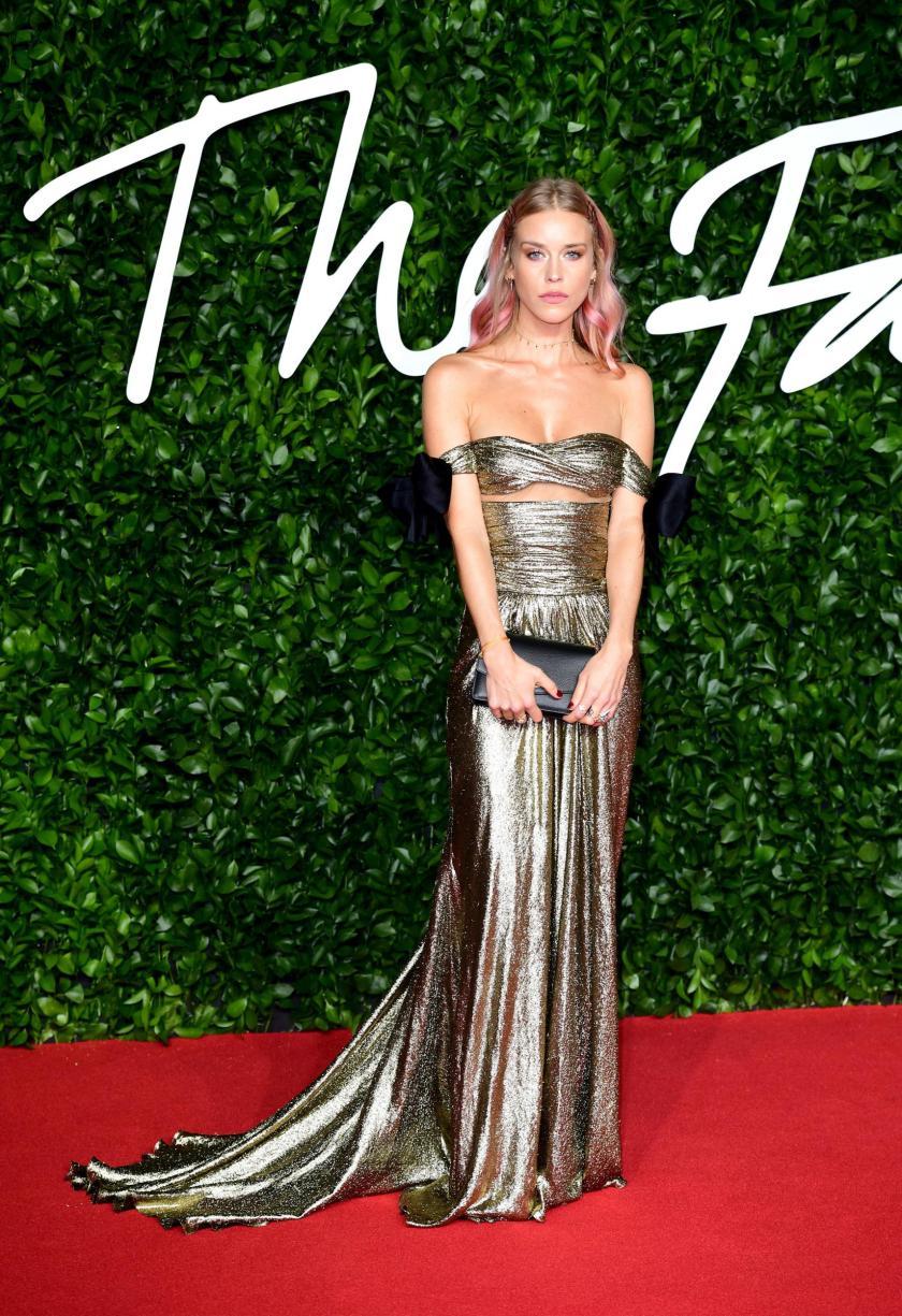 fashion-awards-021219-06